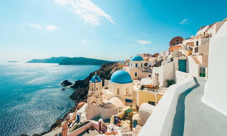 กรีซ ประกาศเปิดประเทศให้เข้าท่องเที่ยวได้ไม่ต้องกักตัว