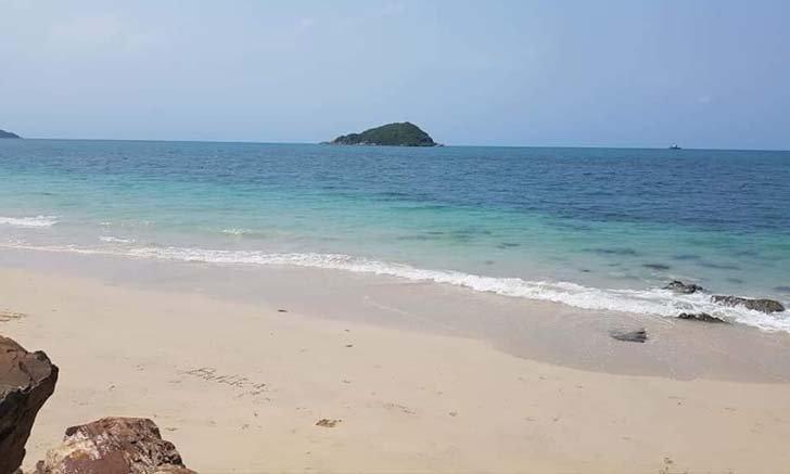 หาดนางรำ-นางรอง เปิดให้เข้าเที่ยวแล้ว ทะเลสวยเงียบสงบมาก