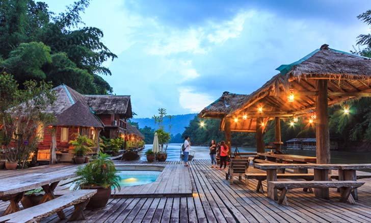10 ที่พักนอนชิลริมแม่น้ำแคว จังหวัดกาญจนบุรี