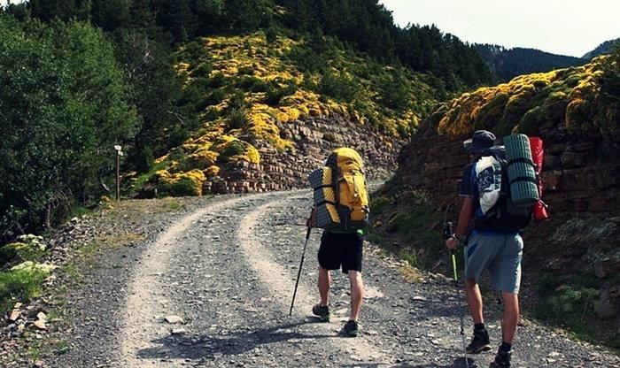 large_hike-892919_640
