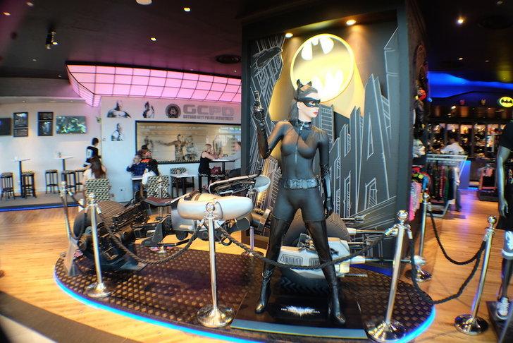 ซูเปอร์ฮีโร่คาเฟ่ตัวจริงเปิดแล้ว DC Super Heroes Cafe - สิงคโปร์