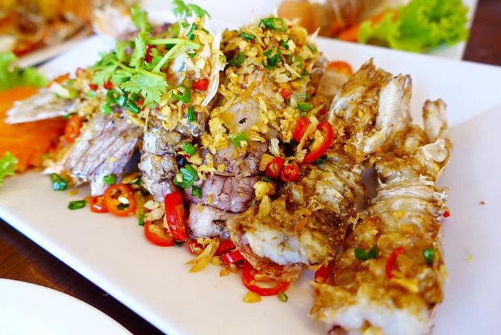 เปิดโพยร้านอาหารซีฟู้ดรสจัดจ้านแบบไทยๆที่ไปภูเก็ตต้องลอง