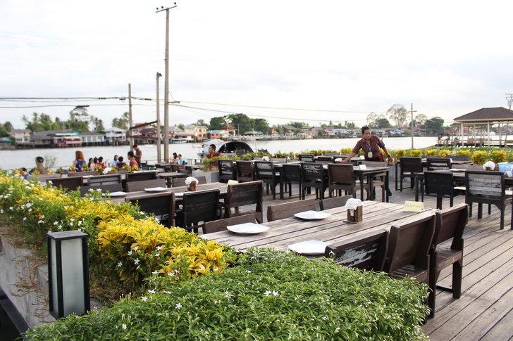 รีวิวร้านอาหาร River Wine บรรยากาศดี๊ดี ติดริมแม่น้ำที่ปากเกร็ด จ.นนทบุรี