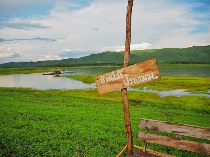 บ้านไม้ปรายเมฆ ร้านกาแฟวิวทะเลสาบและภูเขา ธรรมชาติในฝันที่คุณสัมผัสได้