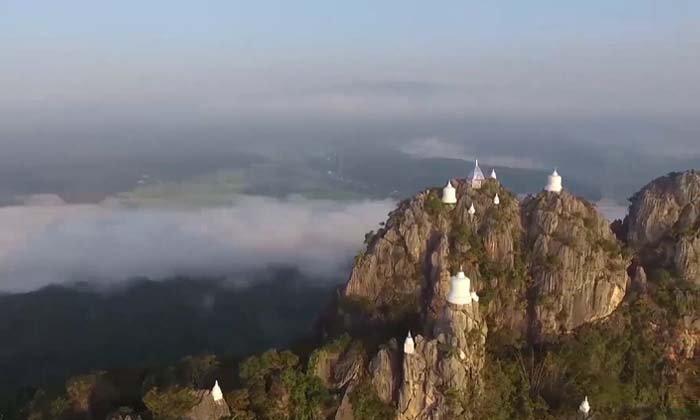 เจดีย์ลอยฟ้าวัดพระพุทธบาทสุทธาวาส ที่เที่ยวอันซีนหนึ่งเดียวในประเทศไทย