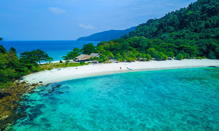 """""""เกาะบรูเออร์ทะเลพม่า"""" ความมหัศจรรย์ของน้ำทะเลสีฟ้า และโลกใต้น้ำที่เป็นดั่งอัญมณี"""