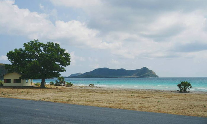 หาดน้ำใสสัตหีบ ชมน้ำทะเลสีฟ้าใสสะอาด ไม่ต้องออกไปไกลถึงเกาะกลางทะเล
