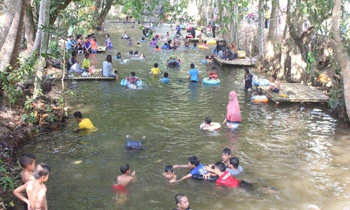 คลองกุนุงจนอง แหล่งเล่นน้ำคลายร้อน สถานที่ท่องเที่ยวแห่งใหม่ของเมืองเบตง