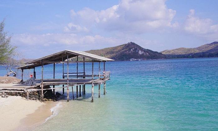 เกาะแสมสาร ทะเลน้ำใสสีฟ้าที่ควรค่าแก่การไปเที่ยวในหน้าร้อน