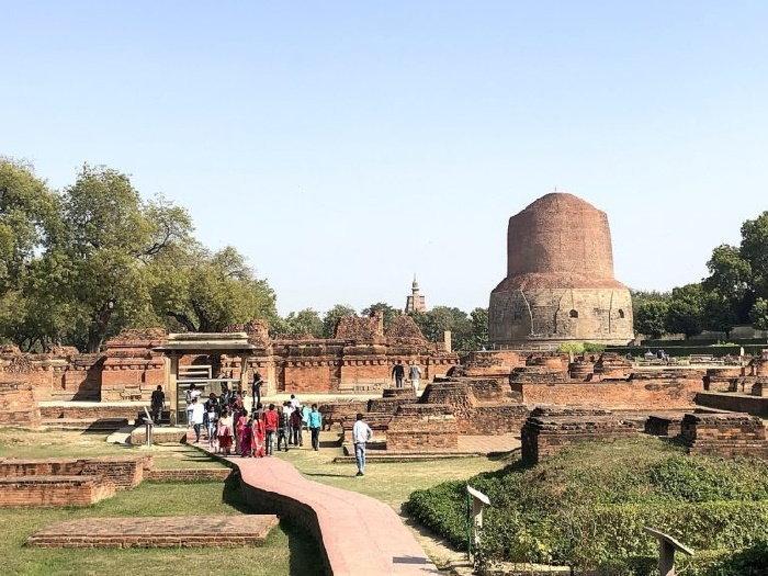 dhamek_stupa_in_varanasi-768x