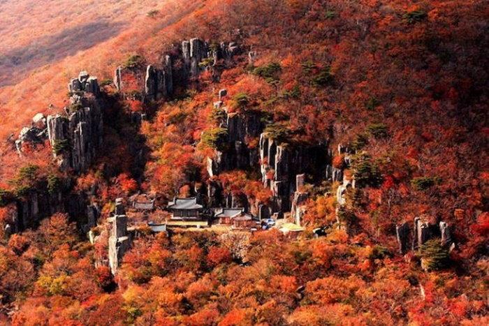 mudeungsan-mountain-630x420