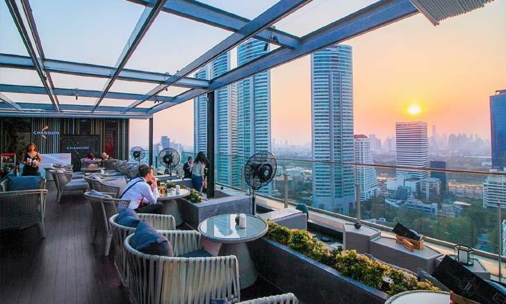Sky on 20 Rooftop Bar สุดชิลชมวิว Sunset โรงแรม Novotel Bangkok Sukhumvit 20