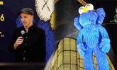 """ศิลปินระดับโลก """"KAWS"""" เปิดนิทรรศการสุดเจ๋ง ครั้งแรกในโลกที่เมืองไทย!!"""