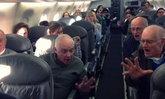 พฤติกรรมบนเครื่องบินที่คนญี่ปุ่นเห็นแล้วเป็นต้องร้องยี้ !