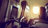 """นั่งเครื่องบิน """"ติดหน้าต่าง"""" หรือ """"ติดทางเดิน"""" เลือกแบบไหนดี?"""
