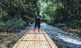 """พาเที่ยวรับหน้าฝน """"ล่องแพไม้ไผ่วังเคียงคู่"""" เส้นทางน้ำใส กลางป่าเขียว สุดสดชื่น"""