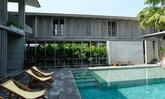 SUNKISS Pool.Bed.Cafe ดื่มด่ำเพิ่มพลังความสดชื่นท่ามกลางต้นไม้และแสงแดด