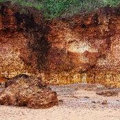 หาดฝั่งแดง