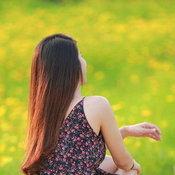 กระเพรา & coffee คาเฟ่กลางทุ่งดอกไม้สีเหลืองทอง วิวเขาจีนแลสุดอลังการ
