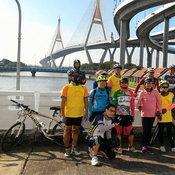 ครอบครัวคุณ Charnkij Jirajitkaroon สะพานภูมิพลจังหวัดกรุงเทพฯ