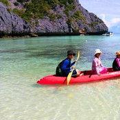ครอบครัวคุณ Nuchanart Kitinan เกาะตาฟุ๊ก ประเทศพม่า