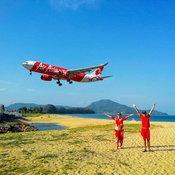 ครอบครัวคุณ Yanyong Khaimuk สนามบินภูเก็ต หาดไม้ขาว จังหวัดภูเก็ต