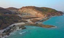 เที่ยว 2 สี (ศรีราชา + เกาะสีชัง)