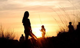 5 จุดชมพระอาทิตย์ตกสวยที่สุดในเมืองไทย!! ภาพแห่งความอัศจรรย์ยามอาทิตย์ลับขอบฟ้า