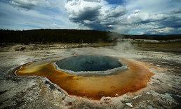 ความสวยงามที่น่ากลัวของแอ่งน้ำร้อนในอุทยานฯ เยลโลว์สโตน