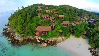 """Serendipity Beach Resort"" ที่พักฮอตสุด บนเกาะหลีเป๊ะ"