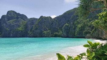 เปิดภาพอ่าวมาหยาหลังปิดการท่องเที่ยวไปนานกว่า 2 ปี สวยงามราวกับสวรรค์กลางทะเล