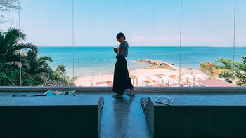 S'more Beach café Pattaya คาเฟ่ในห้องกระจกวิวทะเลพัทยา