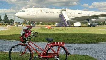 Airways Land แปลงเครื่องบินเป็นร้านกาแฟกลางทุ่ง