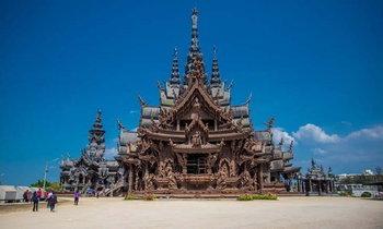 ปราสาทสัจธรรม ปราสาทไม้ใหญ่ที่สุดในโลกเปิดโปรโมชันให้นักท่องเที่ยวในช่วงเดือนแห่งความรัก