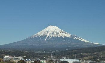 อยากเห็นภูเขาไฟฟูจิจากชินกันเซนต้องนั่งคันไหน นั่งตรงไหน เห็นตอนไหนรู้หรือเปล่า??
