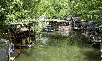 ตลาดน้ำกวางโจว ตลาดน้ำกลางป่าใช้ชีวิตอย่างช้าๆ เอาขาจุ่มน้ำ
