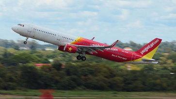 """""""เวียตเจ็ท เราบินด้วยกัน"""" ตั๋วโปรฯ เริ่มต้น 555 บาท พร้อมเครดิตเงินคืน 40%"""