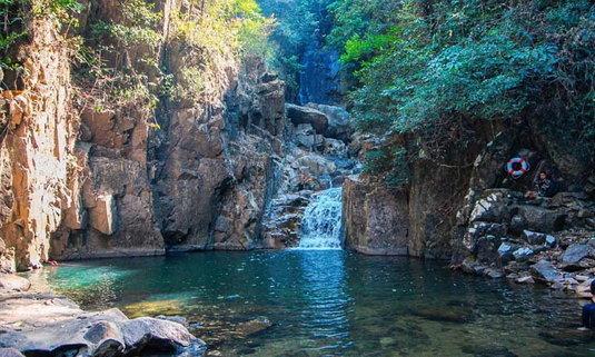 น้ำตกพลิ้วเปิดให้ลงเล่นน้ำได้แล้ว สวนน้ำท่ามกลางธรรมชาติของจังหวัดจันทบุรี