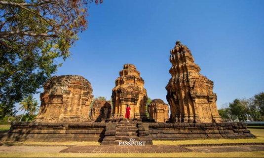 ปราสาทศีขรภูมิ รูปนางอัปสราแกะสลักสวยสุดของไทย