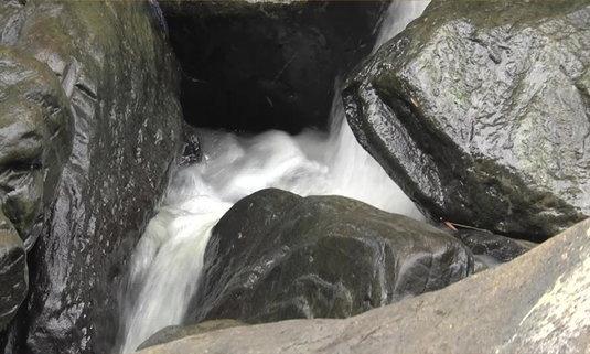 น้ำตกแม่อูน แหล่งท่องเที่ยวแห่งใหม่ของจังหวัดสกลนคร