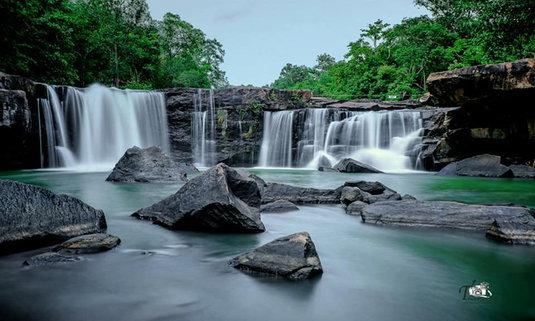 น้ำตกตาดโตน ปล่อยใจไปกับเสียงน้ำไหล ปล่อยร่างกายให้สัมผัสกับธรรมชาติ
