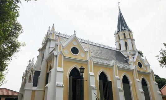 """ทำความรู้จัก """"วัดนิเวศธรรมประวัติราชวรวิหาร"""" วัดไทย แต่ใช้โบสถ์แบบคริสต์"""