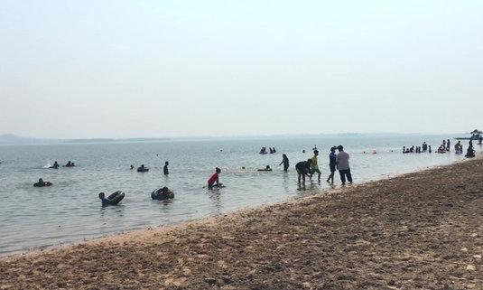 ภาคอีสานก็มีทะเล! พาไปชมทะเลเทียมหาดสวนหิน อันซีนถิ่นสกลนคร