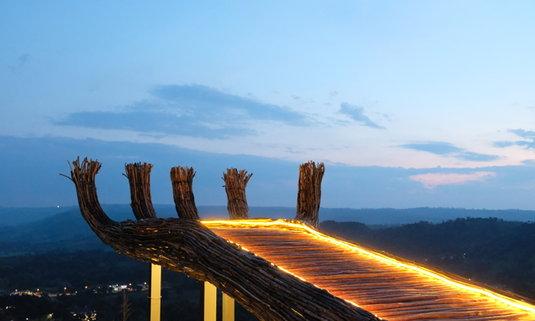Phukaew Peak จุดชมวิวบนมือยักษ์ ท่ามกลางขุนเขาใน Phukaew Resort เขาค้อ