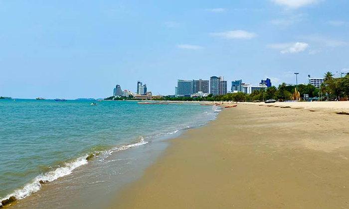หาดพัทยาไร้นักท่องเที่ยว เงียบสงบ ทรายขาว น้ำใส