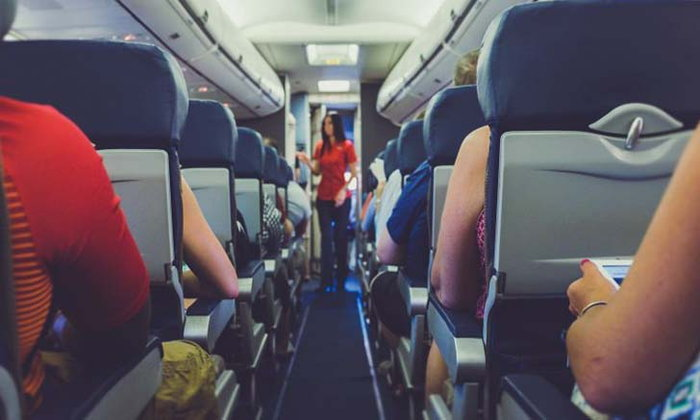 เตรียมพร้อม 5 วิธีเอาตัวรอด เมื่อเกิด เหตุฉุกเฉิน บนเครื่องบิน