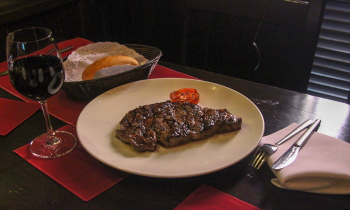 Neil s Tavern Steak  and  Seafood รสชาติแห่งตำนานของวงการสเต็กในไทย!