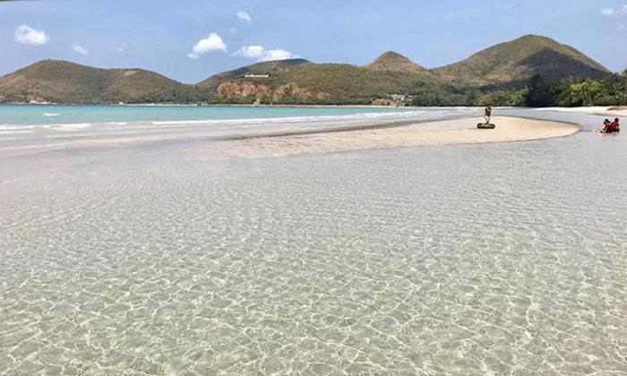 หาดเตยงามสัตหีบ น้ำใสราวกับกระจก ท้าให้ทุกคนไปพิสูจน์