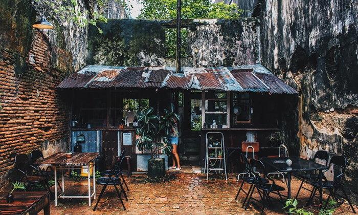 Trok Cafe ร้านลับสุดคลาสสิคแห่งเมืองเก่าตะกั่วป่า