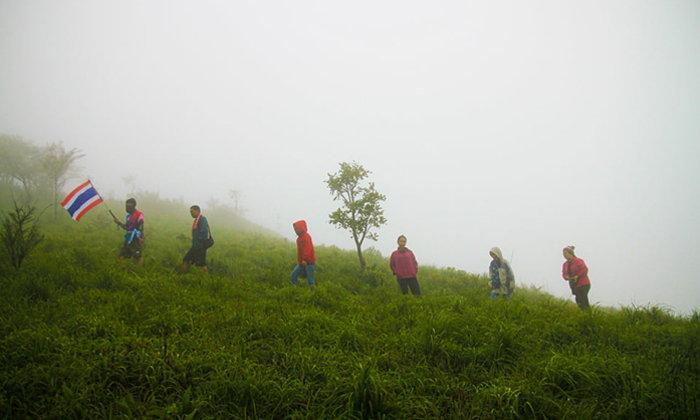พิชิตดอยหลวงตาก ตามล่าหมอกหน้าฝนช่วงสุดท้ายของปี